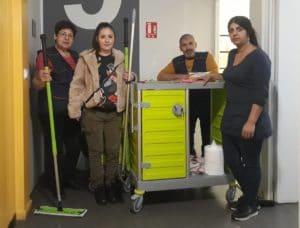 Les salariés intervenant à la mairie avec Fiona, la cheffe d'équipe !